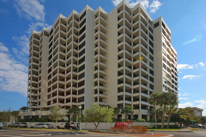 Bay Plaza Condominiums - Downtown Sarasota Real Estate